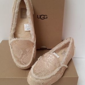NIB UGG Haley Slippers Sz 6